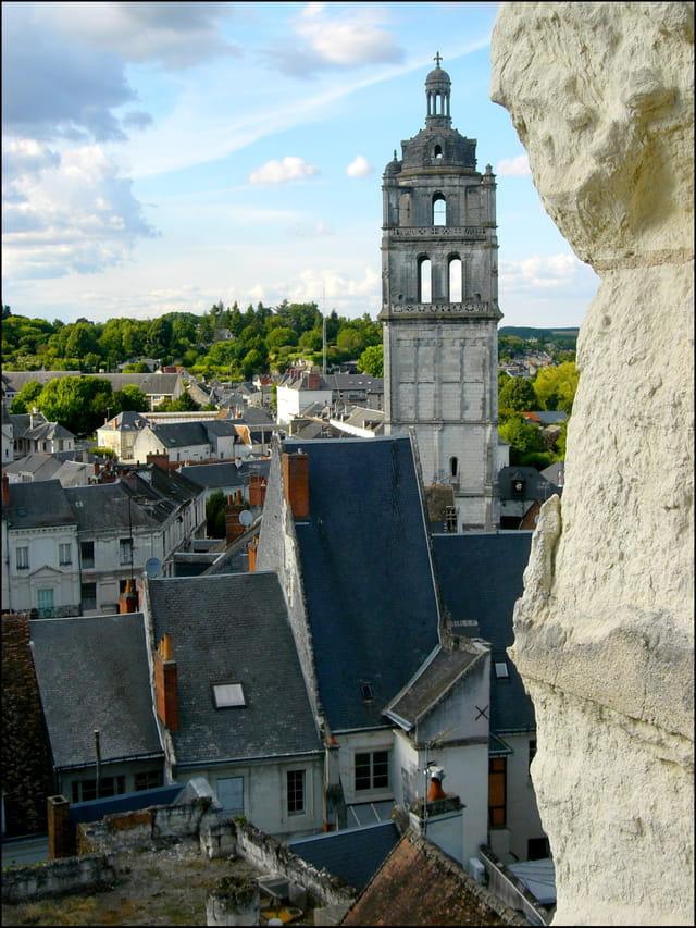 Tour Saint-Antoine et maisons lochoises