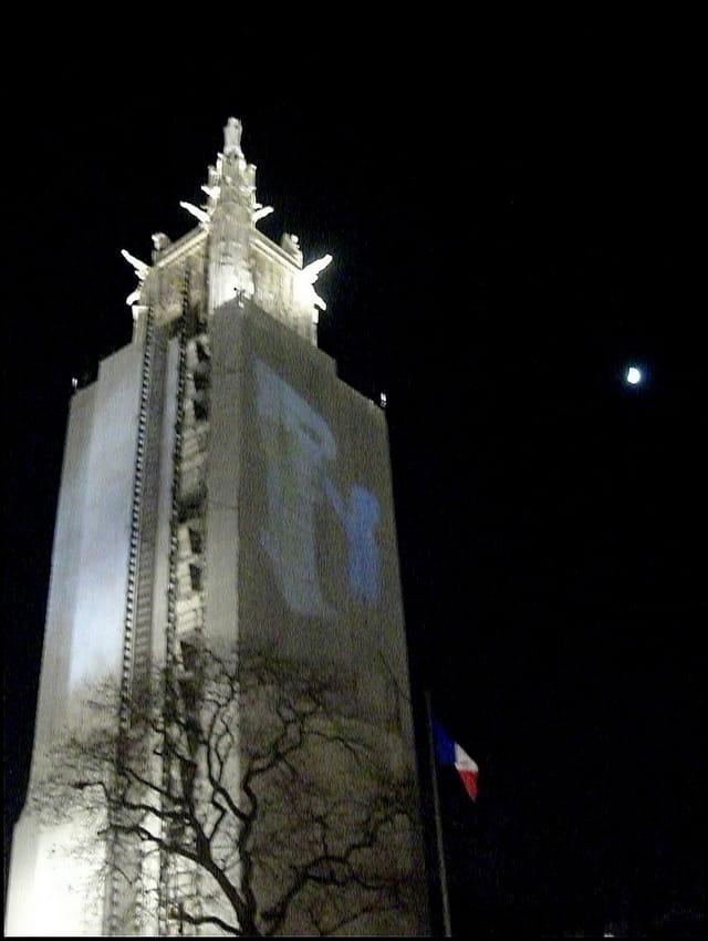 Tour Saint-Jacques, de nuit