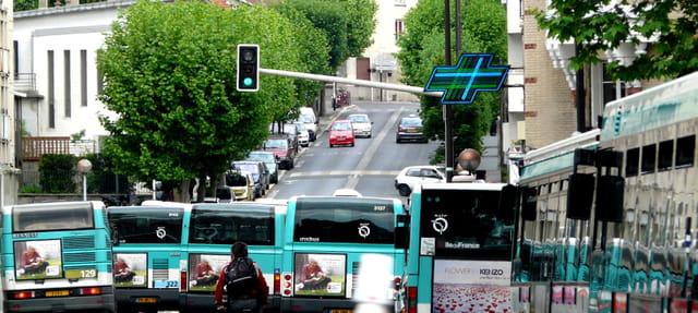 Trafic de bus à Montreuil