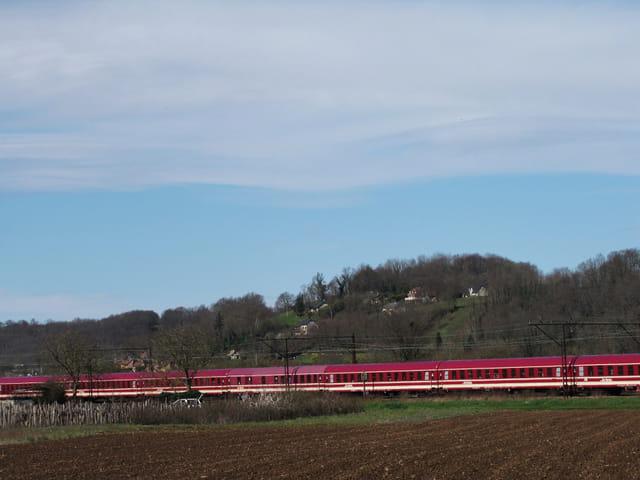 Train de pélerins européens sur LOURDES.