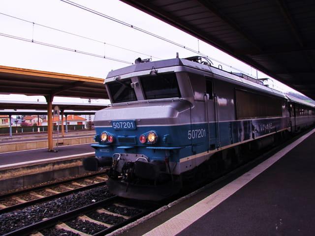 Train SNCF - Gare de Lourdes.