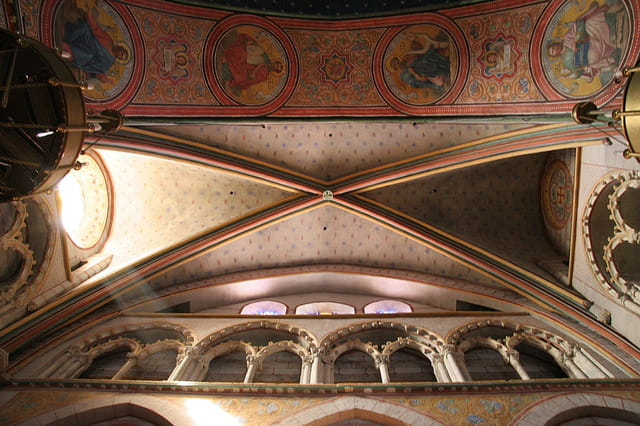 Transept nord de la cathédrale Saint Caprais
