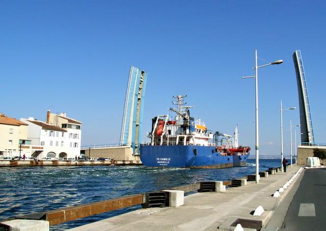 Traversée maritime de Martigues