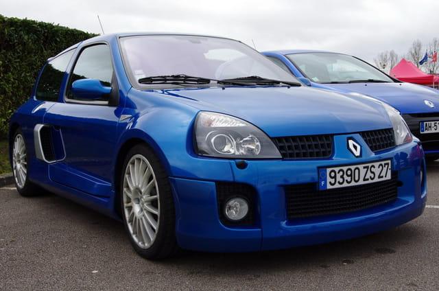 Très belle Clio V6