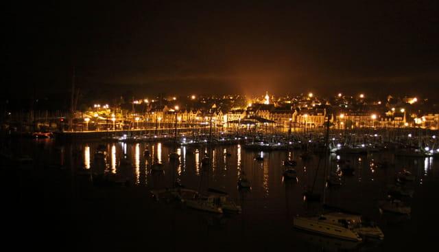 Trinité large vue du Pont le soir.