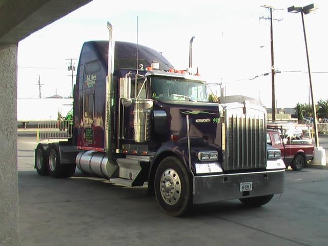 truck am ricain par dani le semenjuk sur l 39 internaute. Black Bedroom Furniture Sets. Home Design Ideas
