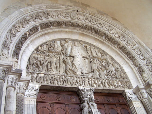 Tympan de St Lazare