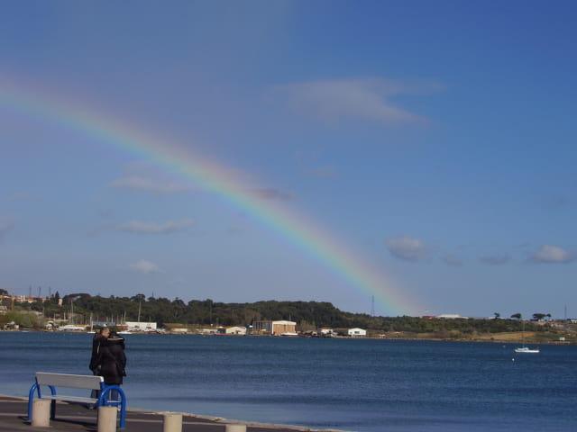 Un arc en ciel sur l'étang de Thau