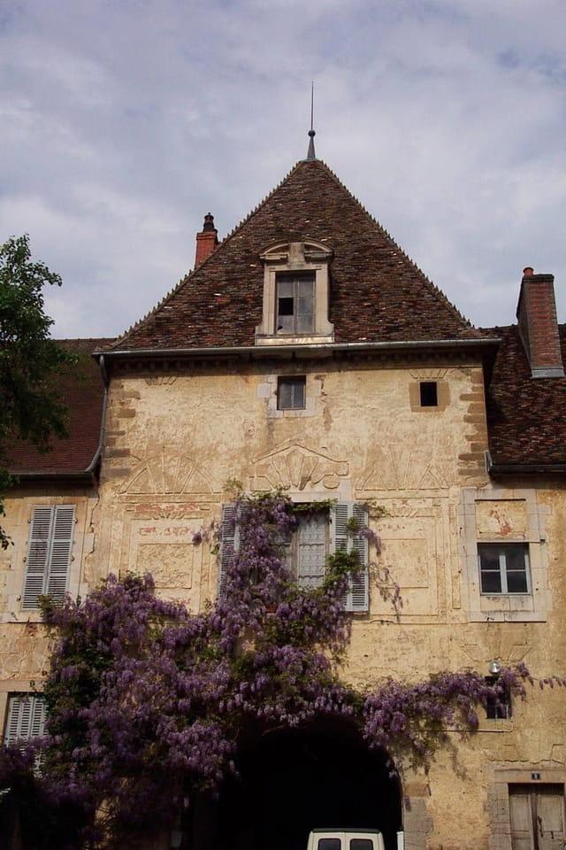 Un beau château