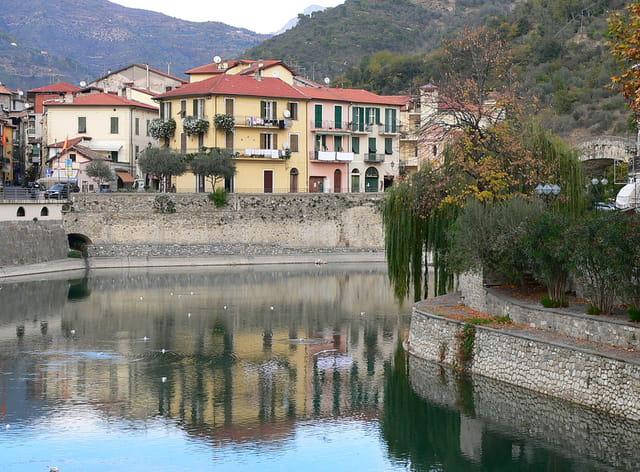 Un beau  village de Ligurie