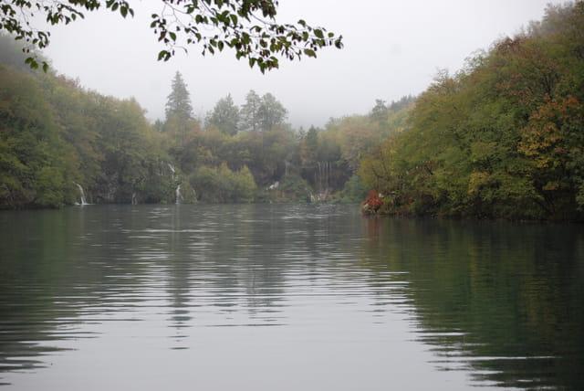 un des seize lacs du Parc Naturel de Plitvice Jezera