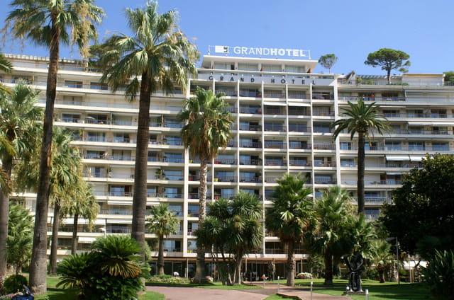 Un grand hôtel