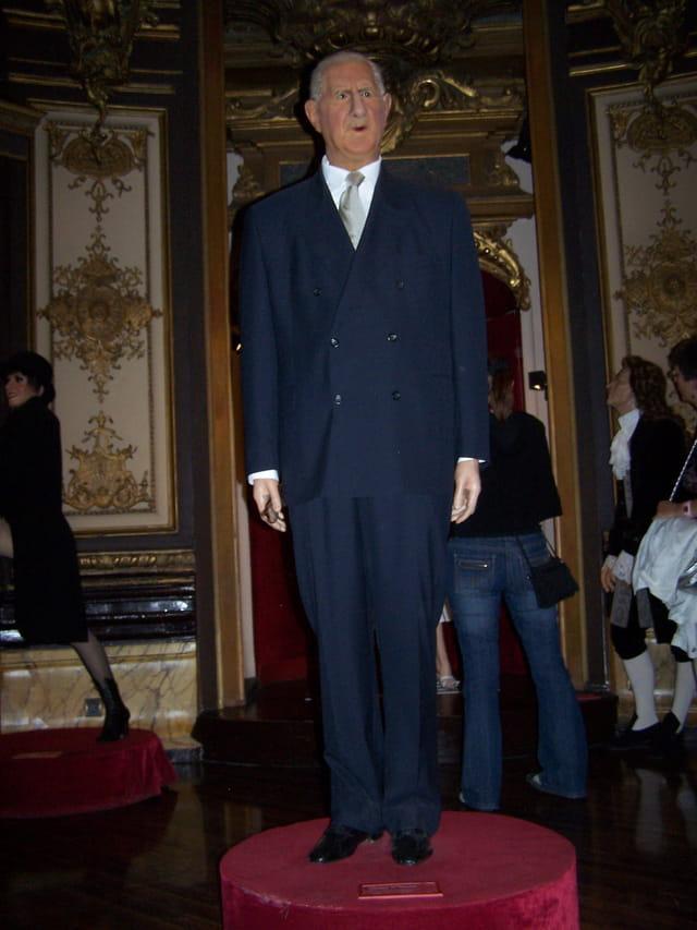 Un grand respect au Général De Gaulle!