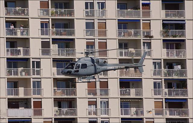 Un hélicoptère en ville !!!