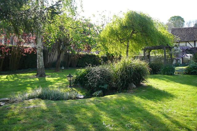 Un joli jardin - 6 (Ombre et lumière) par Jacqueline DUBOIS ...