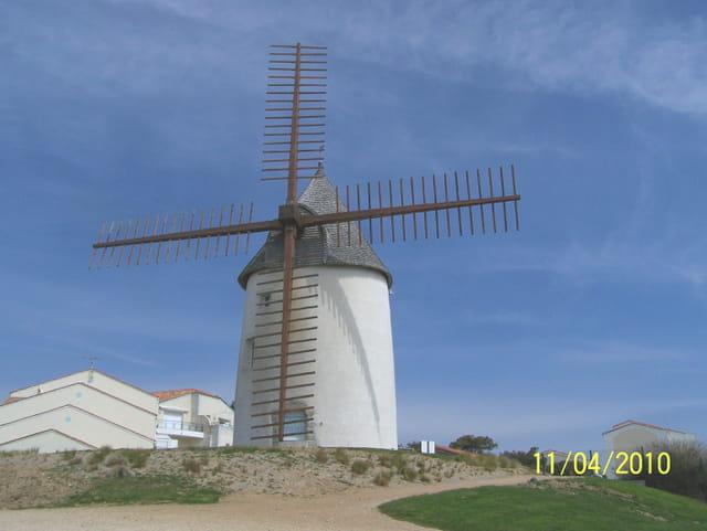 Un moulin à vent ....