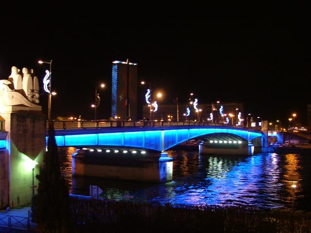 Un pont de nuit