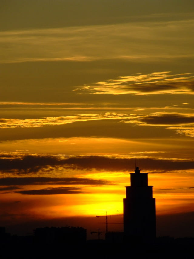 Un soleil sur les grattes ciels