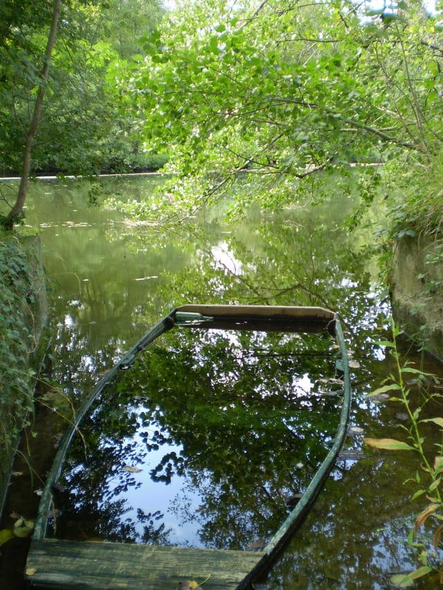 Une barque au repos