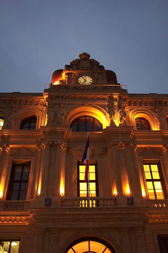 Une mairie illuminée