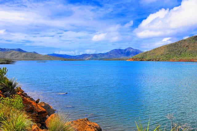 une partie du lac de yate