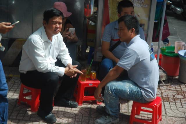 une pause dans la rue