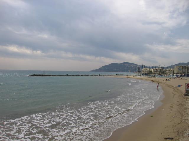 Une plage vers l'estérel