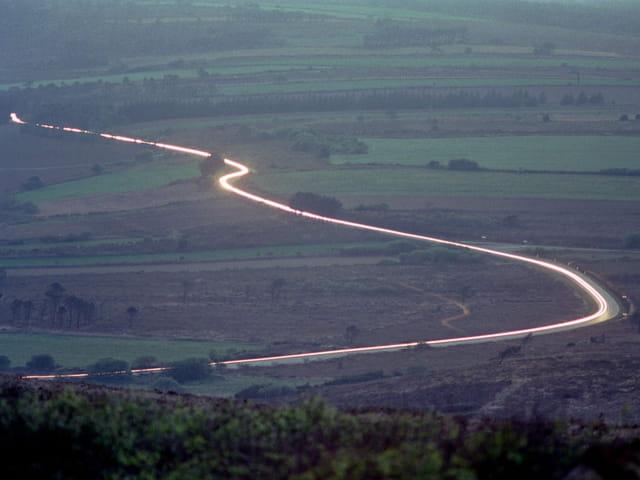 Une route au crépuscule