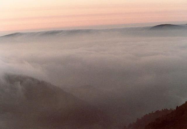 Vagues de nuages sur les Crètes