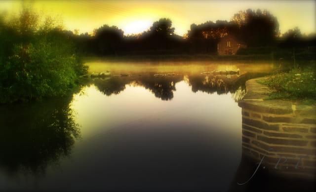 Vallée de la Vilaine, soleil levant.....