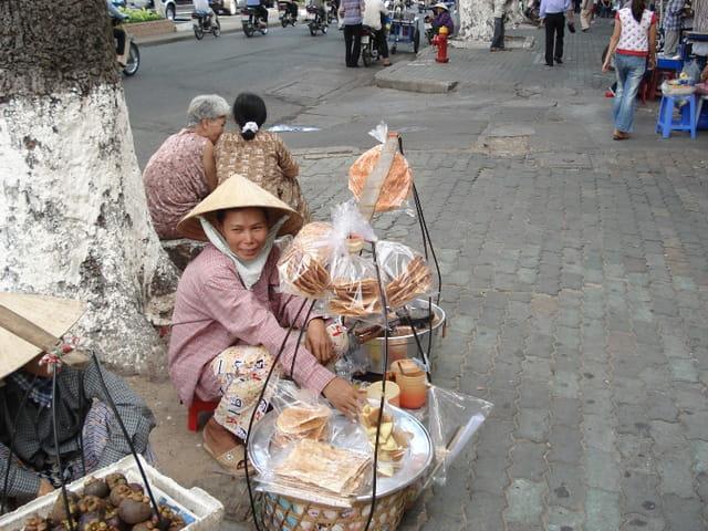 Vendeuse de rue à saigon