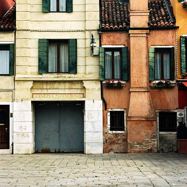 Venise. cinéma moderno