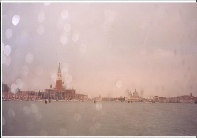 Venise derrière le rideau de pluie