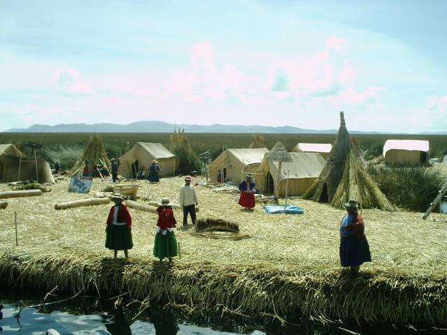 Vie sur le lac Titicaca