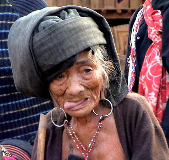 Vieille femme de Wan Pau