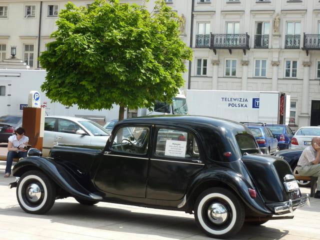 vieille voiture par serge poidevin sur l 39 internaute. Black Bedroom Furniture Sets. Home Design Ideas