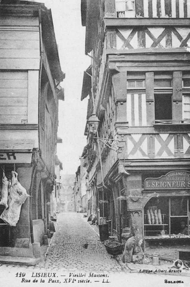 Vieilles maisons rue de la Paix à Lisieux