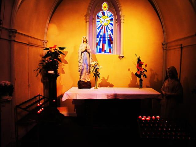 Vierge Marie, priez pour  tous ceux qui souffrent!