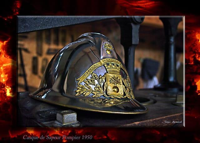 Vieux Casque de Sapeur Pompier.