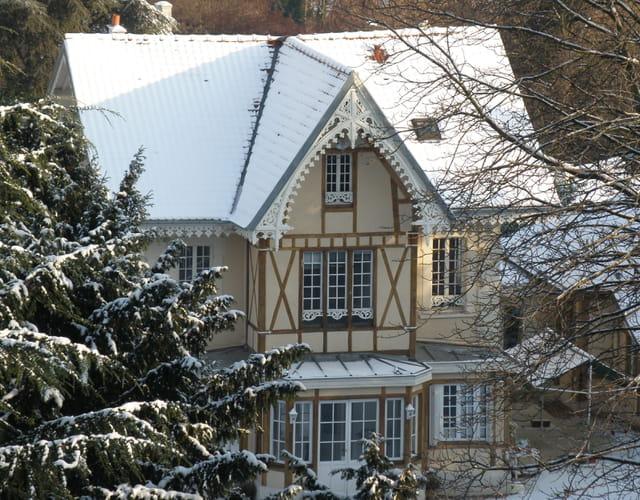 Villa sous la neige