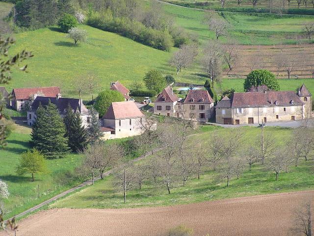 Village proche de marqueyssac