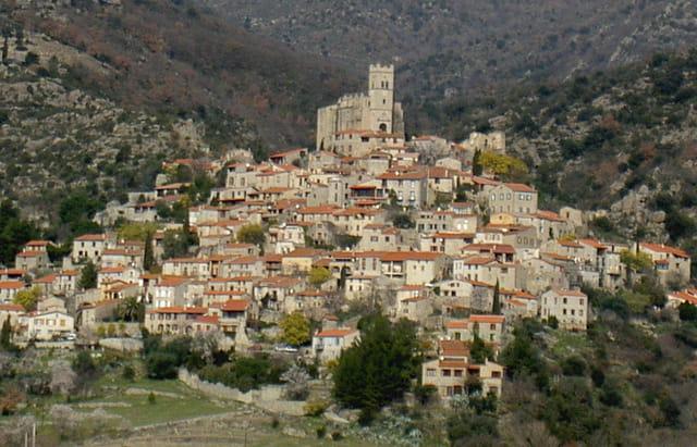 Village sur la montagne