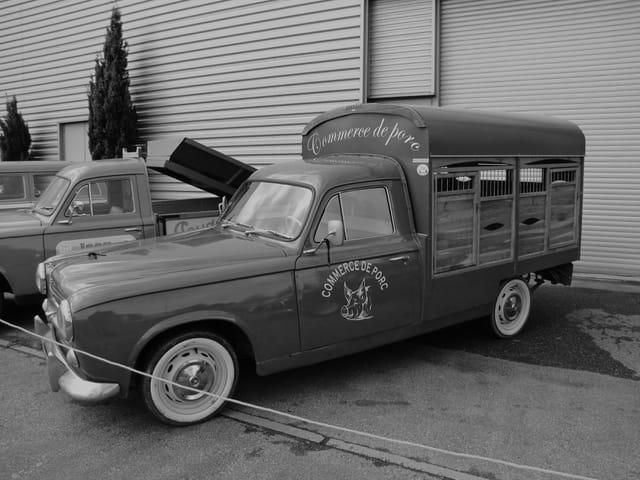 Voiture d'époque - Peugeot 403.