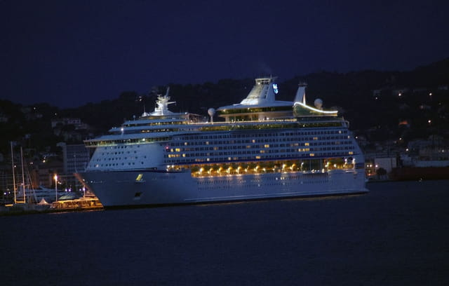 Voyages & Seas