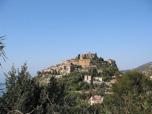 Vue d'eze-village