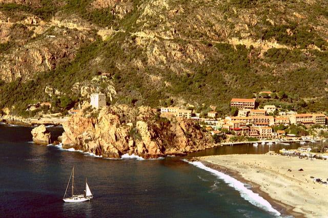 Vue de la baie de Porto (Corse)