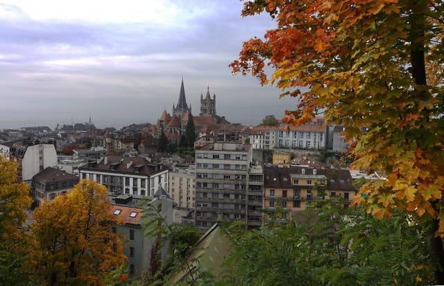 Vue de Lausanne en automne