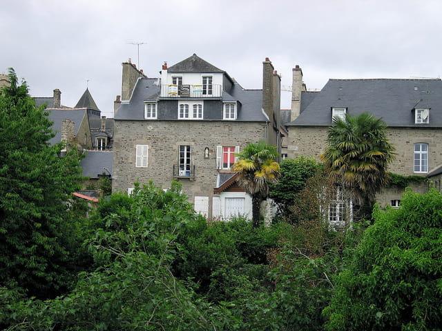 Vue des toits depuis les remparts (3)