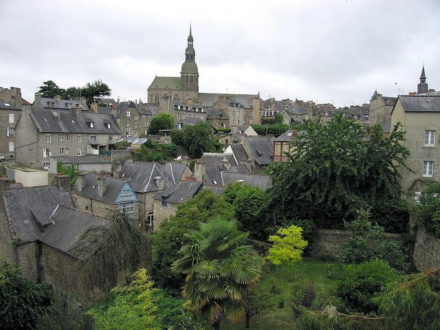 Vue des toits depuis les remparts (4)
