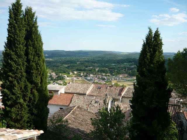 Vue du haut du village,en contrebas la plaine du Gardon.